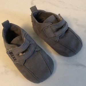 Mexx baby booties. Good used condition